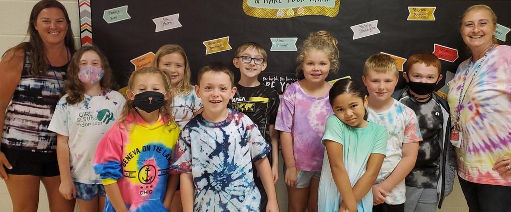 3rd graders tie dye spirit day